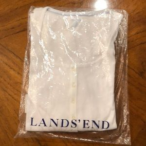 Lands End white ribbed 3/4 sleeve Henley. NWT!
